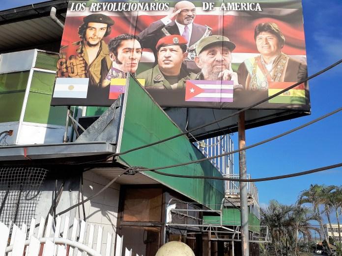 Foto Walther Lotens Zuid-Amerikaanse revolutionairen en Bouterse
